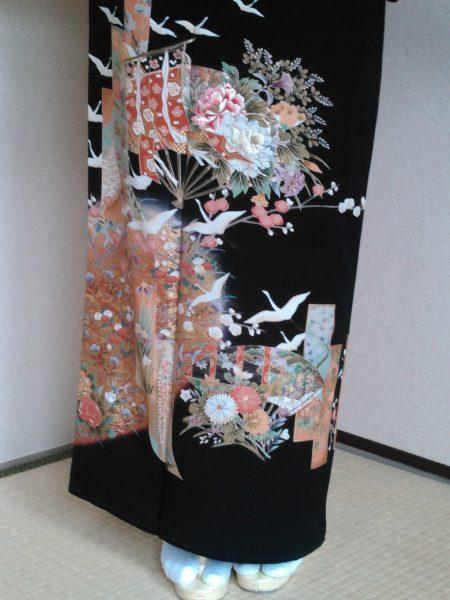 黒留袖 T-11 黒留袖レンタル金箔扇面に白鶴 レンタル一式¥38000(税別) 浅草店での着付け無料! 身丈154㎝